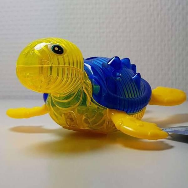 Produkt Abbildung Wassertier_Schildkroete_mit_Licht_blau_gelb.jpg