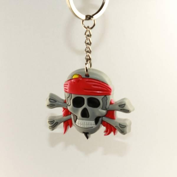"""Schlüsselanhänger """"Pirates only"""", Totenkopf mit Stirnband (PVC)"""